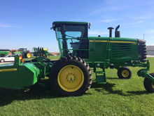 2012 John Deere R450 Windrower-