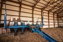 Used Planters Row Units for sale. John deere and more.