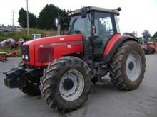 2001 Massey Ferguson 8220