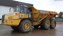 2011 John Deere 400D-II 76834