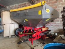 2004 Bredal F2X Fertiliser spre