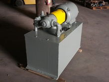 15 HP Vickers Hydraulic System;