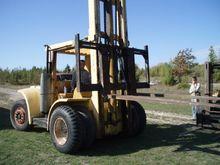 16,500 lb. Hyster H-165 Forklif