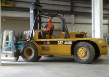 36,000 lb. Caterpillar Model AM