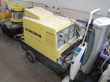 Hot water high-pressure cleaner