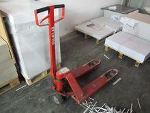 Used Pallet truck BT