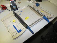 Paper-cutting machine # 61683