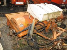 Building equipment road sweeper