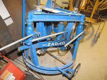 Hydraulic chess frame lifter ZA