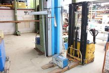 Electric high-lift truck YALE M