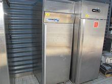 Commercial-freezer GRAM # 70773
