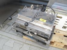 Commercial double waffle iron D