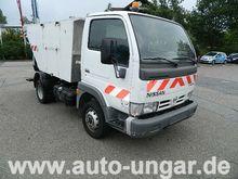 Used 2004 NISSAN Cab