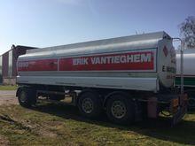 2001 Stokota Tank semi-trailer