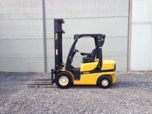 2011 YALE GDP30VX 4-wheel front