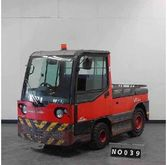 2004 Linde P250 Tow tractor