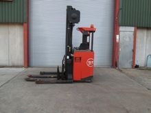 2007 BT SR1.6D Stacker