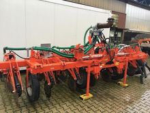 2013 Kuhn STRIGER 8 Fertilizing