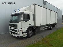 Used 2005 Volvo FM9.