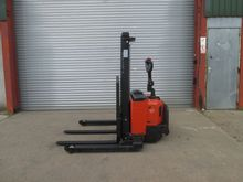 Used 2004 BT SWE120S
