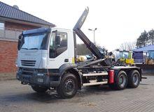 2007 Iveco Trakker 380 6x4 Hook