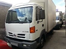 Used Nissan Cargo AT