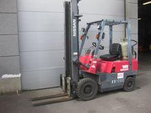 NISSAN J01A18 Forklift