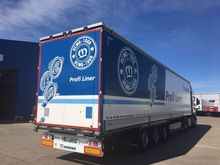 2015 KRONE SD Curtainsider semi