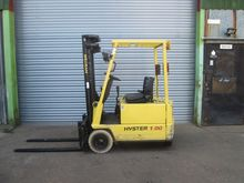 2002 HYSTER A1.00XL 3-wheel fro