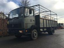 1990 Mercedes Benz 1117 Box tru