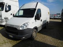 2012 Iveco Daily 35S13 Closed b