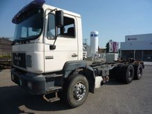 1998 MAN 33.403 6x4 Cab chassis