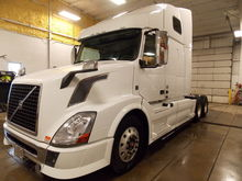 2014 Volvo Trucks VNL670