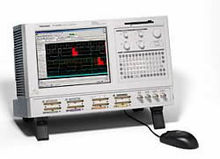 Tektronix TLA5204 Logic Analyze