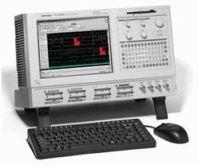 Tektronix TLA5203B Logic Analyz