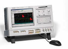 Tektronix TLA5203 Logic Analyze
