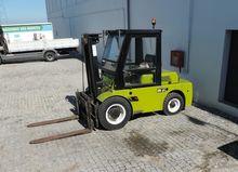 Chariot élevateur 7 T OM Diesel