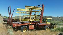 New Holland 1075 Bale wagon