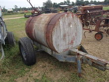 Fuel Tank with Hand Pump on Whe
