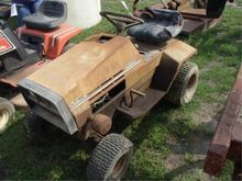 Sears LT/8E Riding Lawn Mower