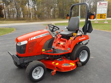 MF GC-2400 Compact Tractor