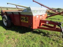 H&S 235 PTO Manure Spreader, Po