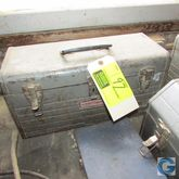 "18"" Metal tool box w/miscellane"