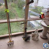 Singer gas grass trimmer & Blac