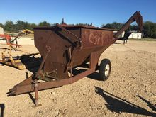 Drag Grain Cart with 8' Auger