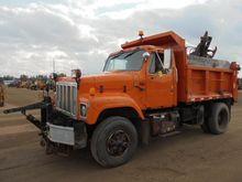 1991 INT 2574 Dump Truck