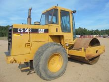 CAT CS-563 Smooth Drum Compacto