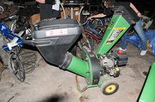 John Deere Woodchipper Gas Powe