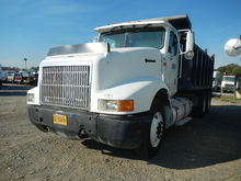 1993 INTERNATIONAL 9400 DUMP TR