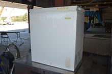 HOLIDAY LCM050LC FREEZER/CHEST